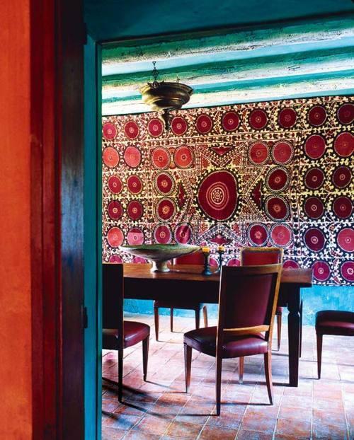 suzani-masa-perete-casa-amenajari-interioare-uzbekistan